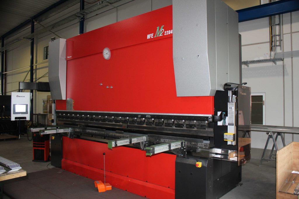 Maschinenpark: Programmierbare Abkantpresse Amada HFE M2 2204