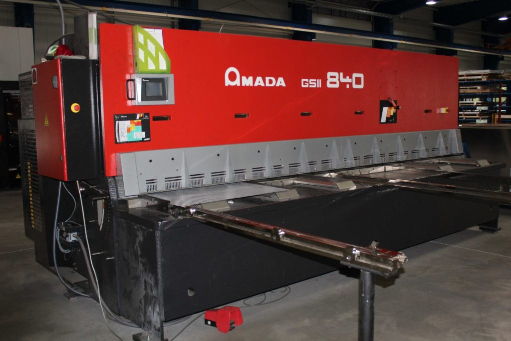 Maschinenpark: Programmierbare Tafelschere Amada GS II 840