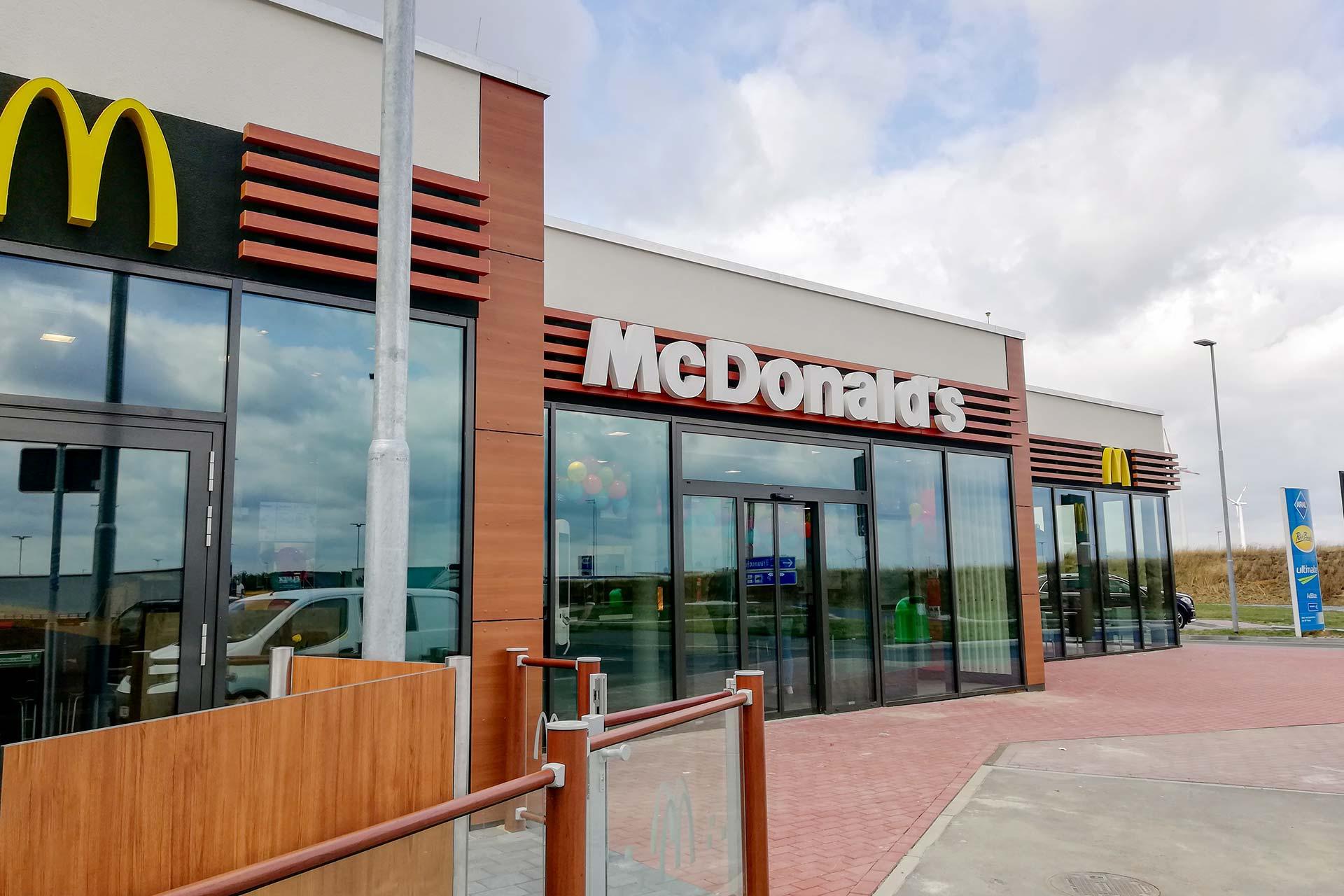 Projekte: McDonald's in Salzgitter (2019) - Anbauten an Tankstellen auf Raststätte
