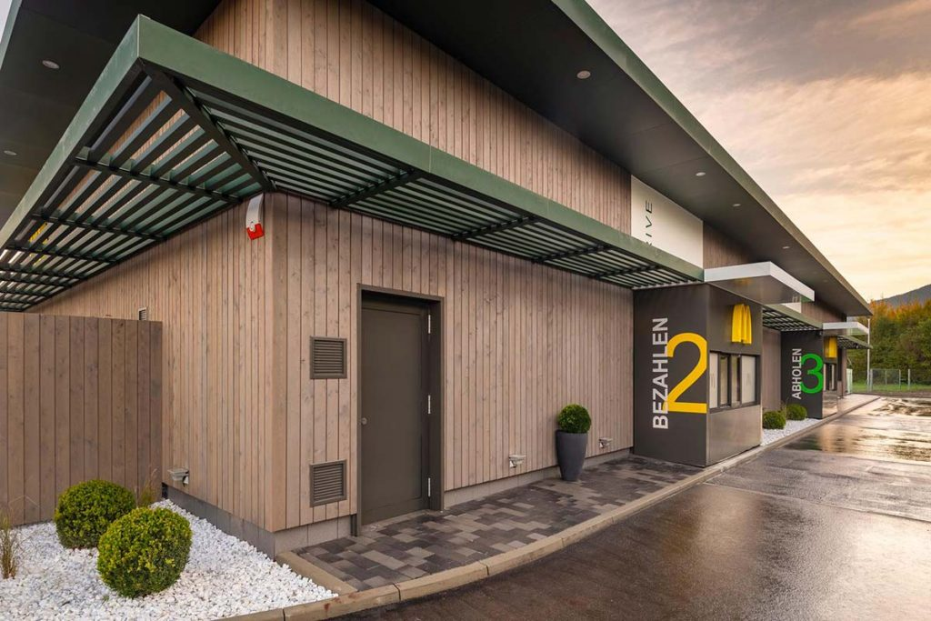 Systemgastronomie: McDonald's-Schnellrestaurant, Filiale Kiefersfelden