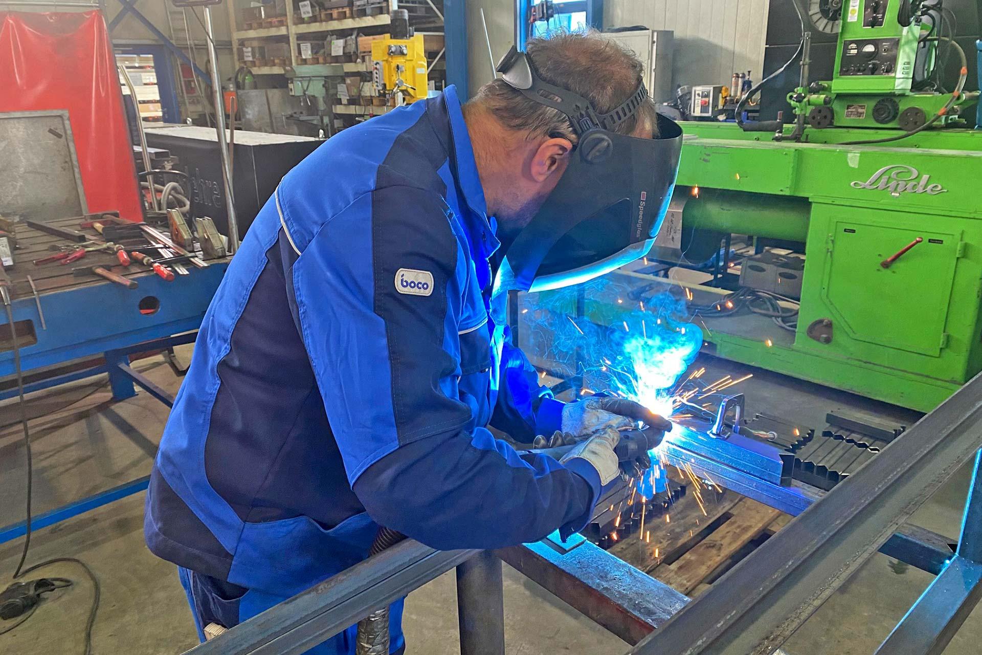 BELLMANN - Metallbauer/Fensterbauer bei der Werkerselbstprüfung