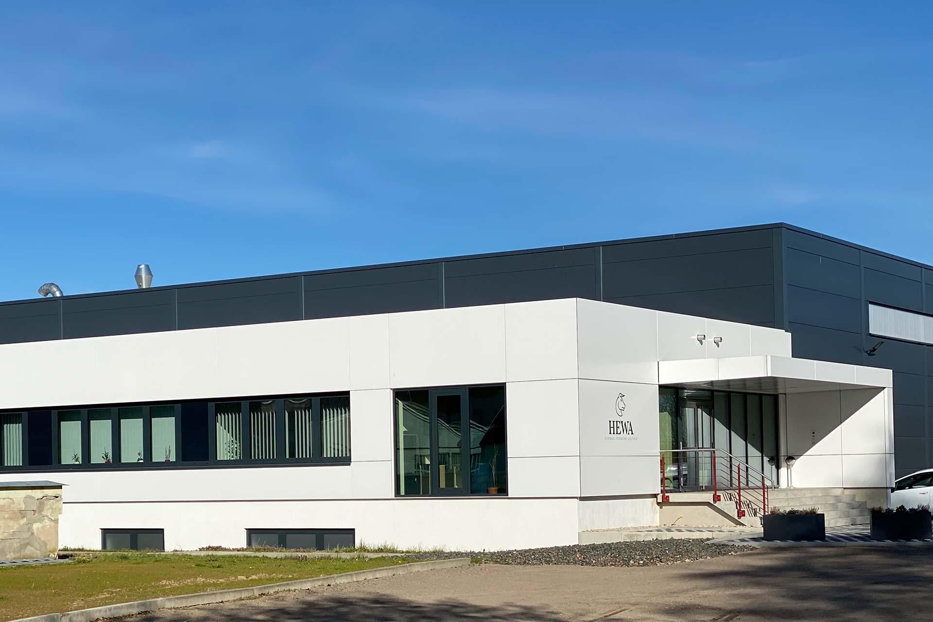 Projekte: HEWA in Brand-Erbdisdorf - Fassadenverkleidung